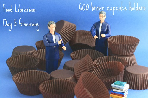 Food Librarian - Cupcake Holder Giveaway