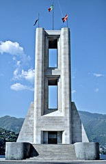 Monument to the death (_fabio) Tags: como caduti d90 35mm18