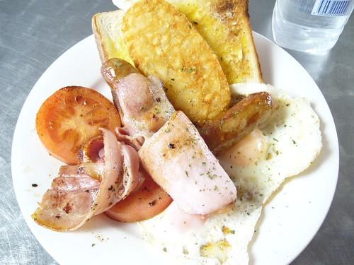 キュランダでの朝食