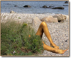 Is she or isn't she?... (Romair) Tags: beach composite legs shore elements duc sexylegs photoshopelements bathingbeauty instantfave abigfave downunderchallenge onlythebestare