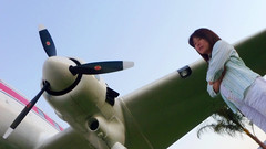 julia and the DC-3
