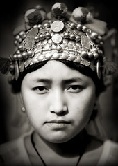 Akha girl - Laos (Eric Lafforgue) Tags: portrait face photoshop asia tribal asie tribe laos ethnic lao headdress akha headwear headgear tribu headress  coiffe 4826 lafforgue  ethnie  laosa    laosz  bantamy  laosas