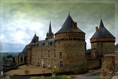 Chateau de Sill le Guillaume (kate053) Tags: france castle castles maine chateau chteau middleages moyenage sarthe chteaux donjon sillleguillaume