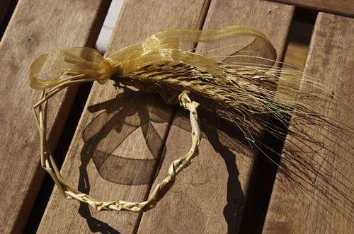 weaving-wheat