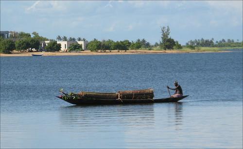 Ada Foah boat