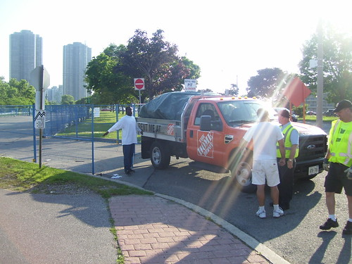 TOStrike Illegal Dumping Attempt, Sir Casimir Gzowski Park, Western Beaches, Lakeshore Boulevard West, Toronto Ontario Canda, Sunday June 28 2009 - 001