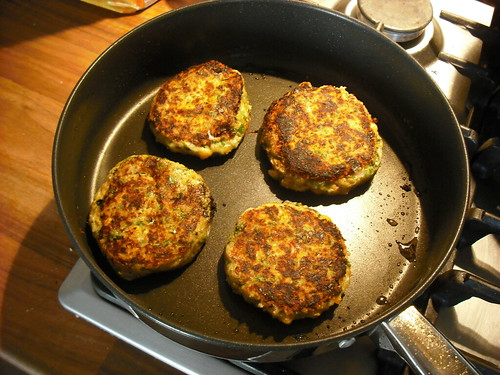 Halloumi burgers cooking