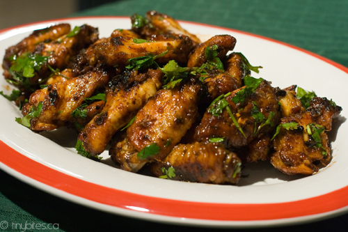 Spicy oven-baked chicken wings