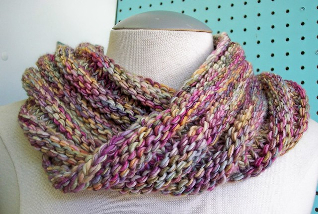 Ravelry Easy Mobius Cowl Pattern By Haley Waxberg