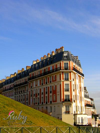 architecture near montmartre