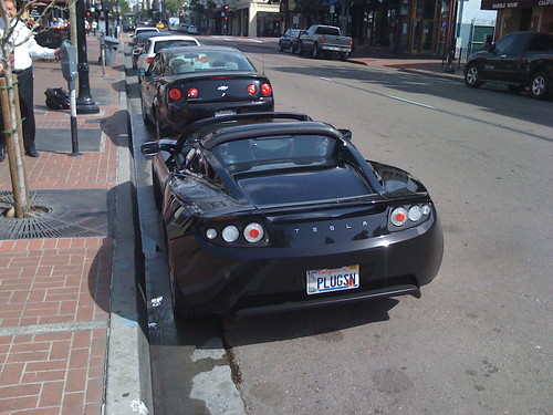Tesla Roadster by LauraMoncur from Flickr