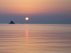 Wake up! (ondaeoliana) Tags: sea sun dawn mediterraneo mare alba patti sole sicilia sveglia sicilyitaly