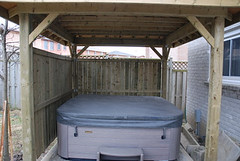 Hot tub with partially covered shed (Stan Shetty) Tags: drive 141 sirente