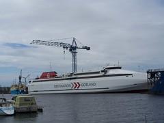 Gotlandia (tompa2) Tags: sverige kran vatten halland falkenberg fartyg varv vattendrag gotlandia ätran fritidsbåt passagerarfartyg rorofartyg