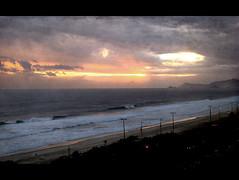 Tomorow will be another day even more beautiful than this one. (itala2007) Tags: ocean light sunset sky sun riodejaneiro nikon waves explore explored nikond80 seeninexplore itala2007 worldsartgallery redmatrix