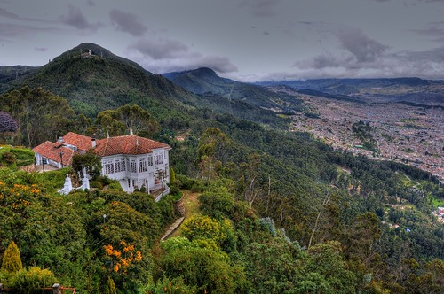 Monserrate above Bogota por Schmidt-Family.