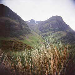 Two Sisters (jamalrob) Tags: camera 120 film sisters toy scotland three holga highlands kodak glen glencoe medium format portra vc coe nam 160 bidean bian gcfn
