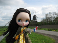 17:52 Happy Queensday Everyone!! (fashionmimi *MSc*) Tags: windmill its doll dress pop and nostalgic they ooh blythe hop yumi queensday decorated the