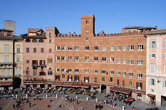 Siena - Palazzi in Piazza del Campo (Bluesky71) Tags: italy italia tuscany siena toscana piazzadelcampo torredelmangia bellitalia
