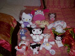 For Trade:Plushies ( Veronica ) Tags: hellokitty sanrio cinnamoroll mymelody kuromi