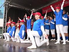 Biwak in Wattenscheid (The Brain2007) Tags: show carnival blue girls white girl tanz blau frau mdchen garde 87 herne karneval frauen wattenscheid kostm weis tanzmariechen kostme biwak gardetanz showtanz tanzmarie showundtanzgardeherne87