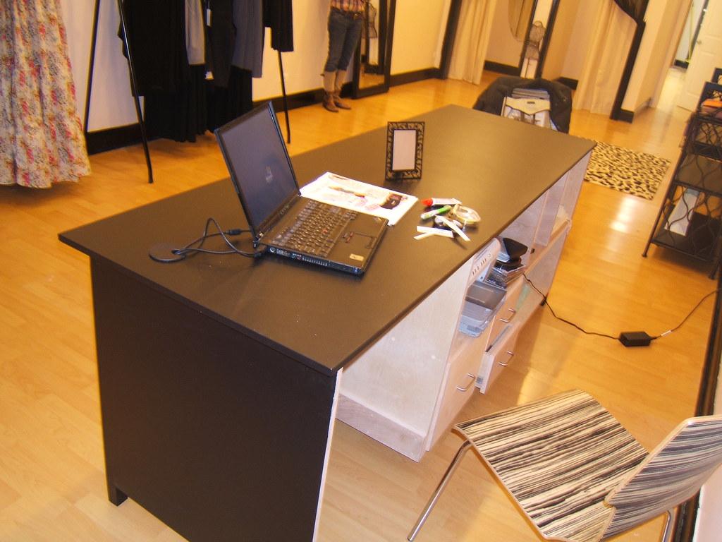Office Desk / Cash Wrap rear 1/4 view