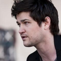 Danny O'Donoghue (Domain Barnyard) Tags: portrait music dublin irish rock eos lasvegas nevada profile band event talent singer performer 2009 f28 talented muscian tingey 941 domainbarnyard petapalooza 148mm canoneos40d thescript celticsoul mix941 themanwhocantbemoved dannyodonohue