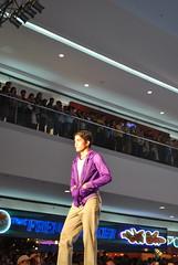 DSC_0108 (gigiv) Tags: philippines 2009 fashionweek mallofasia