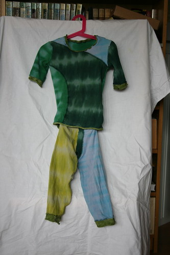 Refashion: Toddler set from adult tee