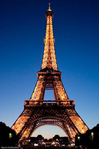 Eiffelturm in der Abenddämmerung