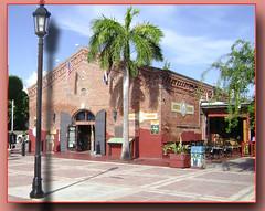 Mallory Square Key West  Florida (leoncillo sabino) Tags: city usa square florida south ciudad sur keywest hueso cayo mallory flamboyan