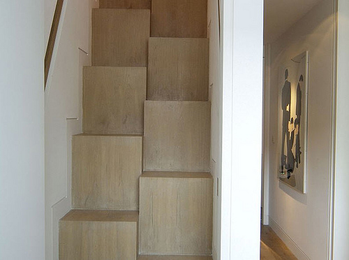 Alternating tread staircase