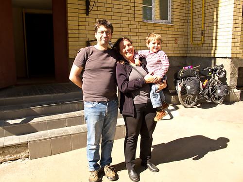 Oliver, Amya, Mika in Kostroma