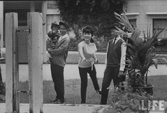 6-1962 Dinh Nhu Ngo and family at home. par VIETNAM History in Pictures (1962-1963)