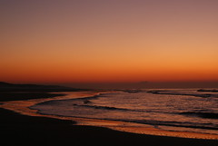 A golden glow over Kijkduin (Ciao Anita!) Tags: friends sunset sea beach netherlands strand tramonto nederland noordzee zee denhaag northsea thehague spiaggia olanda tup crepuscolo zuidholland kijkduin laja maredelnord flickrduel windsandandwater theunforgettablepictures theperfectphotographer grandemaregroup rotrossorougerood absolutelystunningscapes
