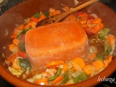 Coles con albondigas-añadir tomate congelado