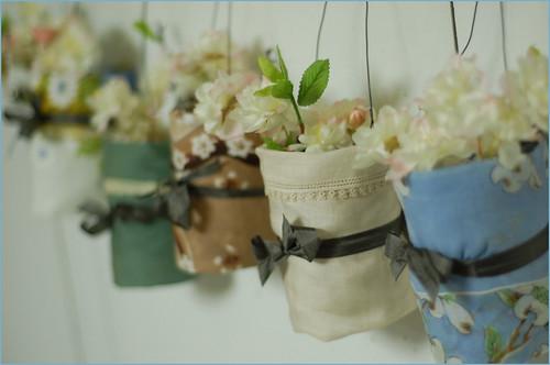 hanging handkerchief vases