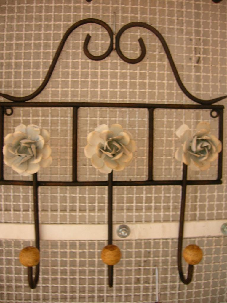 Gancho 3 flores Brancas