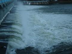 Gushing water (hashcode) Tags: kallanai