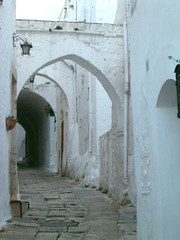 Ostuni's alley 1 (sfocature) Tags: white climb alley arches walls puglia ostuni flickraward