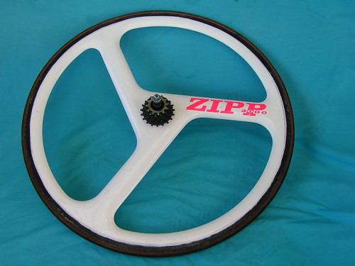WANTED ANY ZIPP 3000 ELIMINATOR CARBON TRI SPOKE WHEEL OR WHEELS FRAME or FRAMES powerclocks@hotmail.com