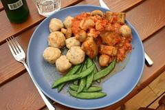 Gnocchi, mumsig gryta och salladsärter