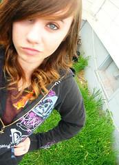 2/365 (Katelynne Rulez DOOd) Tags: blue brown house green grass backyard bored curly hardcore roxy hurley vneck