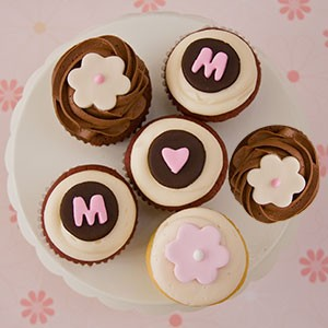 Teacake Bakeshop Mother's Day mail order cupcakes