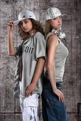 Chicas (karbon100) Tags: canon studio eos flash style setup tamron composing 2875 40d