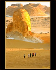 (835) Nationalpark Weie Wste / National park white desert / Egypt (unicorn 81) Tags: africa travel sunset white color sahara nature trekking landscape geotagged nationalpark sand colorful desert northafrica dunes dune egypt egyptian colourful egipto coloured 2009 gypten egitto egypte reise egypten rundreise roundtrip egipt gypte mapegypt saharadesert whitedesert westerndesert misr nordafrika egypttrip distantview libyandesert april2009 gypten deserttour aegyptus libyschewste platinumheartaward worldtrekker unicorn81 weisewste  alwadialjadid whitedesertnationalpark gyptusintertravel gyptenreise schulzaktivreisen saharacolors nationalparkweisewste nationalparkwhitedesert wstenreise meinjahr2009