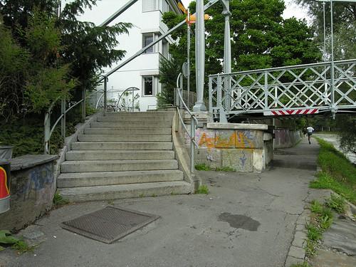 20060812_100