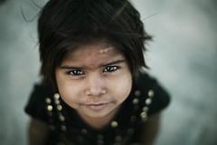 (Ray ma) Tags: india cute girl minolta bokeh indian glance brightness orccha theface sharpness orchha a900 af50 minolta8514 bokehlicious alpha900 sonyaf50mm14 minolta85f14 vipveryimportantphotos