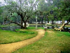 Praa Japonesa - Porto Alegre (- Gil) Tags: park parque brazil brasil square lago banco portoalegre parquefarroupilha jardim praa japo riograndedosul parquedaredeno