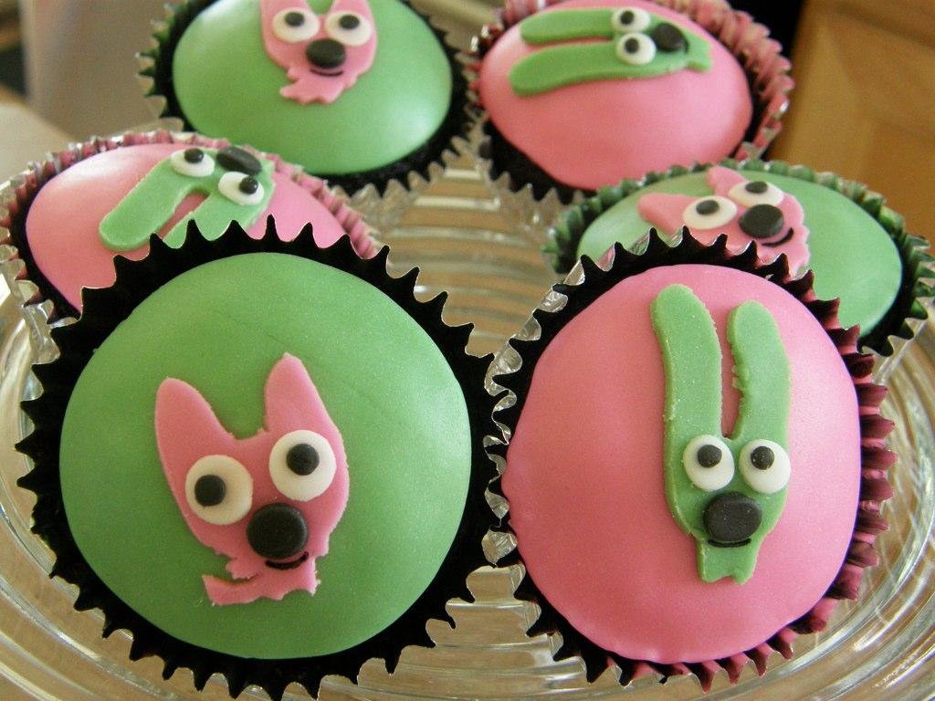 Hoops & Yoyo Cupcakes